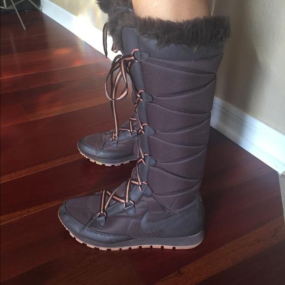 Stylish Nike Lace Up Winter Boots